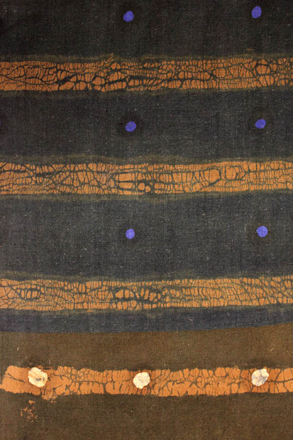 Susan Bosence. STRIPE and SPOT.(a) Combination of double wax resist twice brush dyed in Soledon blue and brown. Wax removed and paste resisted then brush dyed in dark blue on calico.(b) Wax resist spots, brush dyed in brown, paste resisted and brush dyed in blue.N.B. very labour intensive processes.1960s.