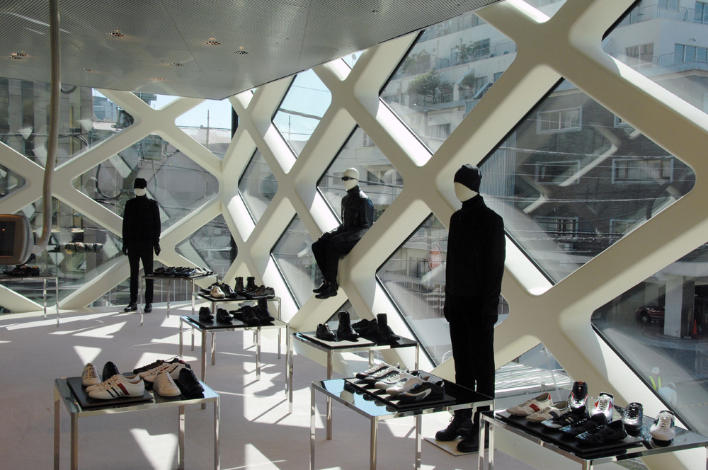 2_Prada Shop in Tokyo designed by Herzog and de Meuron